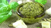 песто : Homemade Basil Pesto (loopable)