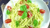 песто : Pasta (spaghetti) with Pesto Sauce (seamless loopable 4K UHD footage)