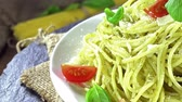 песто : Spaghetti with Pesto Sauce (loopable) Стоковые видеозаписи