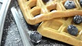 belga : Waffles with Blueberries not loopable, 4K Vídeos