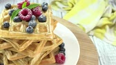 opłatek : Waffles with mixed Berries seamless loopable, 4K