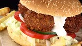 ervilha : Falafel Burger with Chips as seamless loopable 4K footage Stock Footage