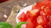 dadi : Homemade Tomatoes (sliced) (rotating) as detailed 4K UHD footage (seamless loopable) Filmati Stock