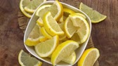 úsek : Sliced Lemons as seamless loopable 4K footage Dostupné videozáznamy