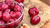 viñetas : Fresh made Preserved Cherries (rotating) as seamless loopable 4K UHD footage)