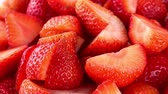 keser : Chopped Strawberries seamless loopable; 4K UHD) Stok Video