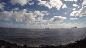 exportação : ships on ocean Time lapse - blue sky, clouds fast moving