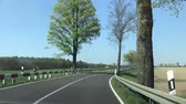 excesso de velocidade : Driving on a sunny day, time lapse Vídeos