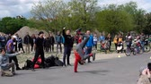 청중 : Breakdance group dancing on street at crowded park (Mauerpark) in Berlin