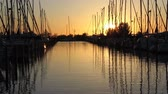 holandsko : Dutch marina at sunset