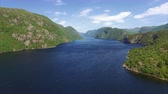 montanha : Aerial footage of beautiful fjord in Norway. Aerial 4k Ultra HD.