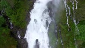 norueguês : Aerial footage of norwegian waterfall on Ryfylke national tourist road. Aerial 4k Ultra HD.