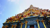restauração : Asia Sri Lanka Indian temple colorful Indian deity    dolly shot