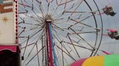 zíper : Closer view of the ferris wheel at the Carnival