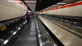 vstupenka : defocused footage in subway