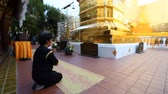 peregrino : Buddhism.Buddhist temple in Thailand.Faith, worship, prayer footage