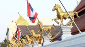 monarşi : National flag of the Kingdom of Thailand.Red-white-blue tricolour symbolizes the people-religion-king.