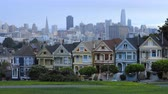 addizione : Timelapse The Painted Ladies. case a schiera a San Francisco 4K Filmati Stock