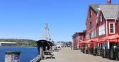 yerleşim : Lunenburg, Nova Scotia waterfront with Fisheries Museum of the Atlantic 4K