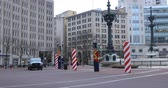 marin : View of Monument Circle in Indianapolis, Indiana 4K Vidéos Libres De Droits