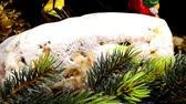 papai noel : German Christmas stollen on turn table