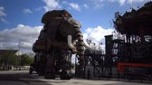 mechanikus : Elephant machine roaring. This is a tourist attraction in Nant