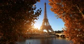 amarelo : Seine in Paris with Eiffel tower in autumn time