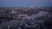língua : time lapse London skyline with Tower Bridge Vídeos