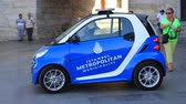 旅遊 : ISTANBUL - SEPTEMBER 25, 2013: Metropolitan Municipality Tourism Team show their new car, Mercedes Smart in the middle of Eminonu Square. Eminonu is the major trade and strolling center in the city. 影像素材