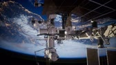 raumschiff : Earth and outer space station iss Stock Footage