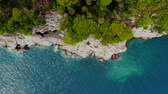 el değmemiş : top view of rocky shore crystal clear Adriatic Sea, drone shot Stok Video