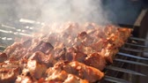 выпивка : Barbecue With Delicious Grilled Meat On Grill