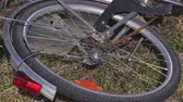 tekerlekler : Rotating bicycle wheel