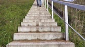 stabilita : Man walking the stairs down