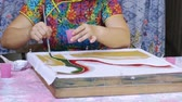 pintura : Slow motion of batik painting process