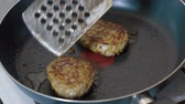farce : Frying cutlets are fried Stock Footage