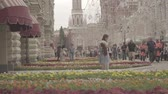 pêssego : View of GUM, Red square, Kremlin tower, State Historical museum from Nikolskaya Stock Footage