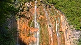 conservado : Detailed view of the beautiful waterfalls in Plitvice National Park, Croatia Vídeos