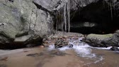 jeskyně : Waterfall inside of limestone cave.