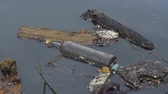 smell : A large amount of trash polluting our waters