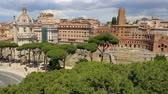алтарь : Via dei Fori Imperiali seen from the Vittoriano. Rome, Italy. The Imperial street. Стоковые видеозаписи