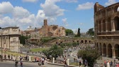 June 9 2018, Rome, Italy. Crowd of tourists visiting the Colosseum in Rome. Video of the Colosseum. The Colosseum and the Roman Forum. Archivo de Video