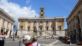 imperatore romano : June 9 2018, Rome, Italy. Capitol, video. The offices of the Mayor of Rome. Crowd of tourists at the Campidoglio in Rome.