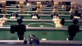 arquero : foosball.small plastic figures of players in table soccer.game kicker.close-up.shallow depth of field. Archivo de Video
