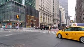 Traffic on West 55th and 5th Avenue in Mahatten, New York City Стоковые видеозаписи