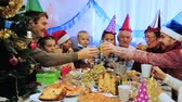otuzlu yıllar : Large family happy to see each other during Christmas dinner