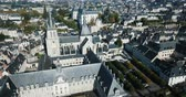 歴史的価値のある : View from the Drone of Medieval Eglise Saint-Nicolas, St. Nicolas church, built in the 12th century in Blois, France