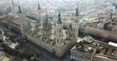 ziegeldach : Aerial cityscape of Spanish city Zaragoza (Saragossa) with Cathedral Basilica