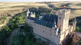 czerwiec : Aerial view of fortress Alcazar of Segovia. Spain Wideo