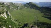 mei : Panoramic summer mountain view of Picos de Europa range, Spain